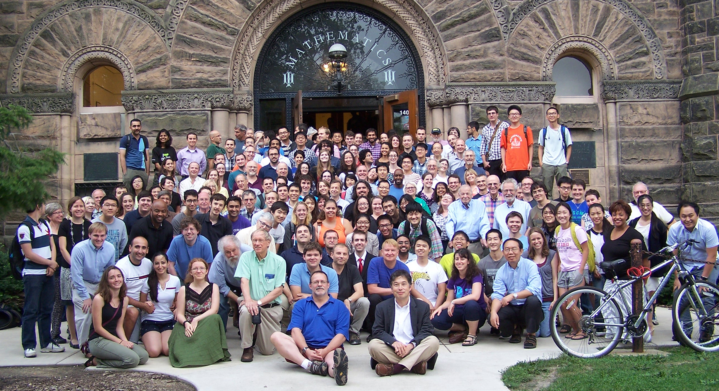 faculty, staff and students in front of Altgeld Hall